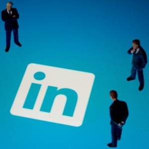 10 ways to improve your LinkedIn profile